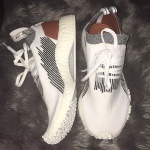 ADIDAS NMD RACER WHITAKER CAR CLUB